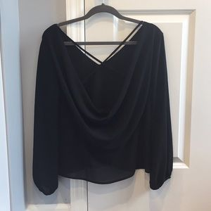 Black blouse from Toni, droop back